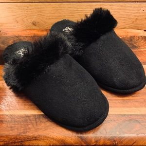 New York & Company Faux Fur Slippers in Black